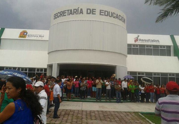 Aproximadamente 400 maestros ya se encuentran dentro de la SEQ. (Teresa Pérez/SIPSE)