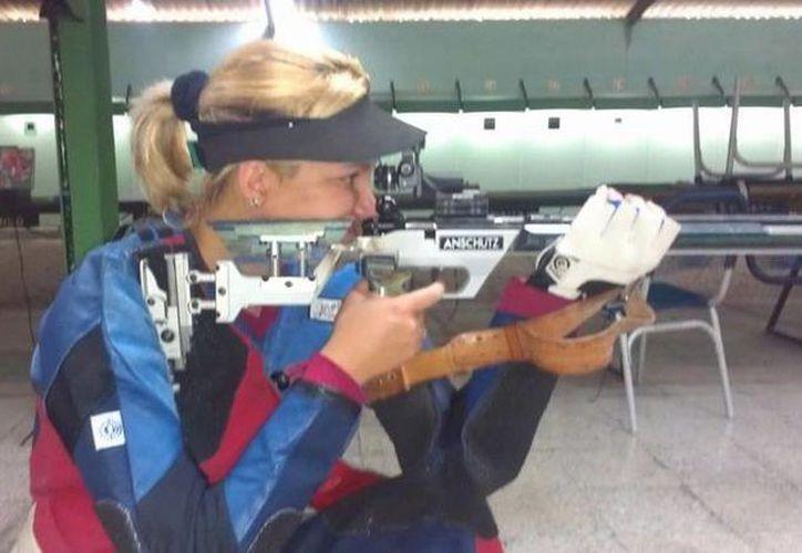 Linet Aguiar desertó tras ganar una medalla individual y una grupal en la disciplina de rifle, en los Juegos Centroamericanos. (martinoticias.com)