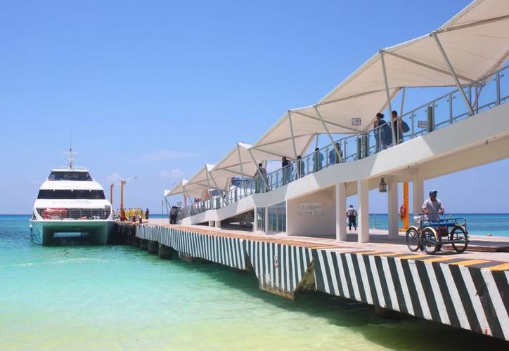 La ampliación del muelle de la terminal marítima de Playa del Carmen inició la semana pasada. (Daniel Pacheco/SIPSE)