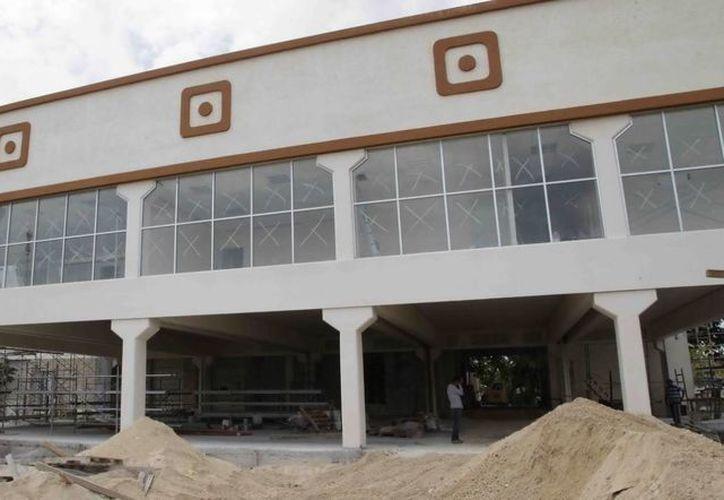 El edificio pretende abrir sus puertas a los nuevos eventos culturales de Cancún en agosto. (Redacción/SIPSE)