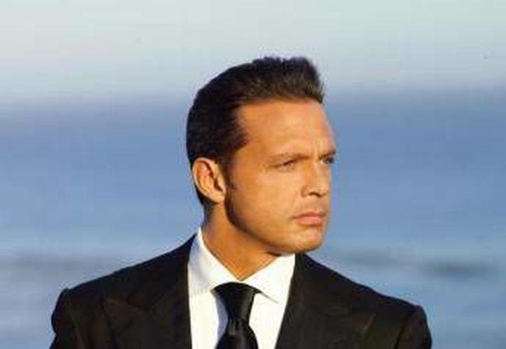 Al parecer Luis Miguel fue hospitalizado por complicaciones tras una cirugía estética y liposucción. (Agencias/Archivo)