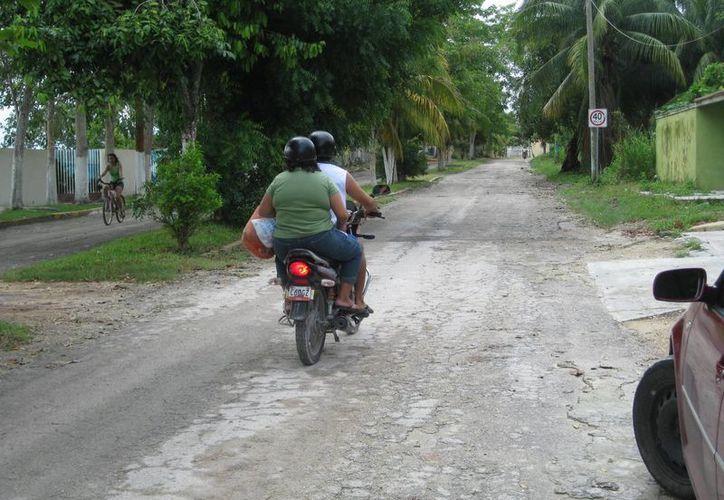 La avenida Costera será repavimentada con una inversión de 10 millones de pesos. (Javier Ortiz/SIPSE)