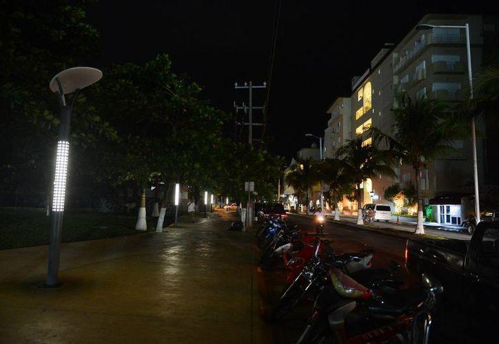 El plan era que una empresa privada se encargada del mantenimiento de las luminarias. (Gustavo Villegas/SIPSE)