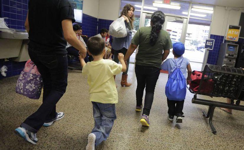 El 4 % de los menores fue patrocinado por un ciudadano estadounidense y el uno por ciento fue ubicado con inmigrantes que afrontaban procesos de deportación. (Agencias)