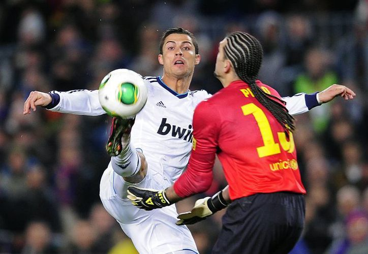 Ronaldo destaca que el Real Madrid ha sabido desactivar las virtudes del Barça. 'Nos adaptamos a su juego. Esta victoria nos da un plus'. (Agencias)