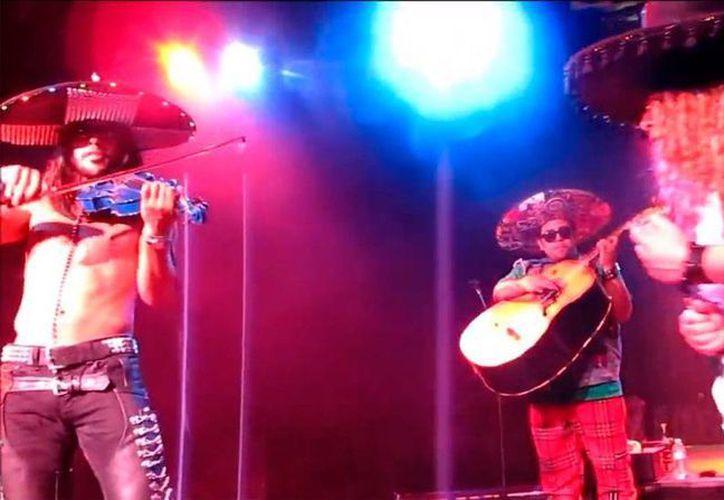 Los integrantes de Metalchi son de origen mexicano, sin embargo, nunca quieren hablar de sus orígenes. Sólo quieren que se les reconozca por su música. (Captura de pantalla)