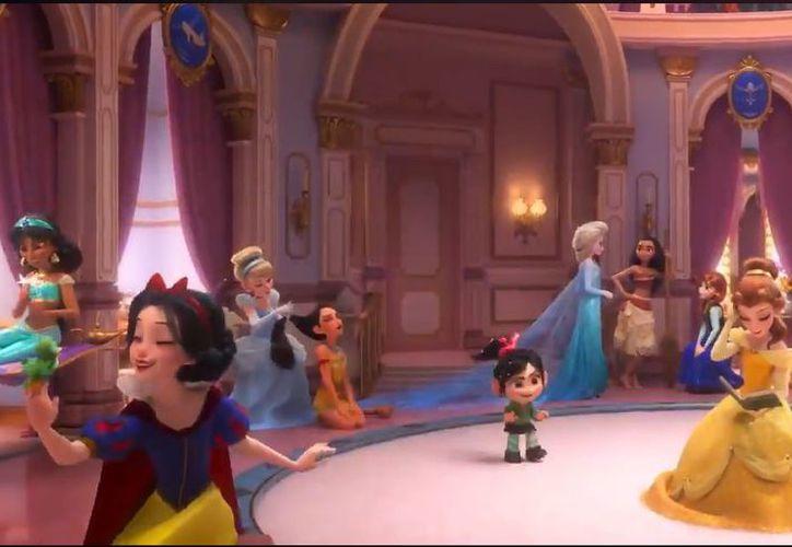Vanellope se encuentra con las princesas de Disney en el nuevo avance. (Captura)