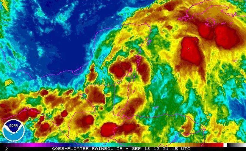 Amplia zona de nubosidad cubre la Península de Yucatán. (Conagua)