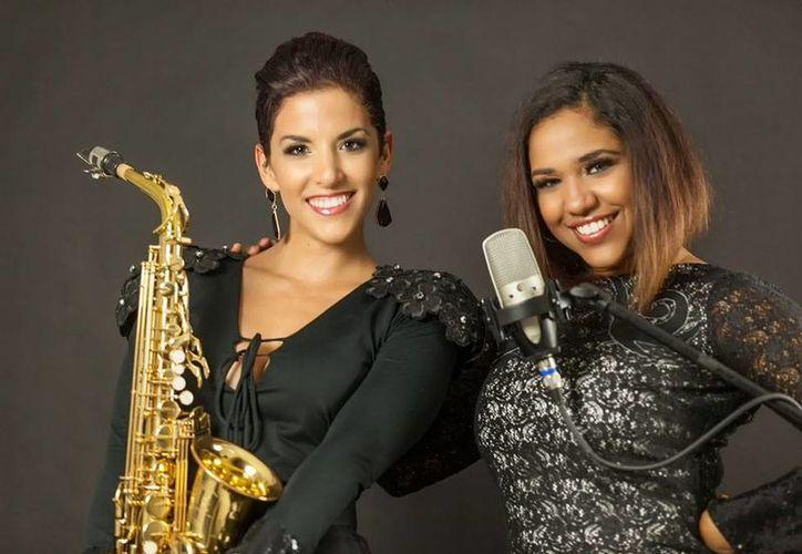 Gaby Ruz y Maydel García unen sus talentos para ofrecer un concierto en pleno Paseo de Montejo. (Cortesía)