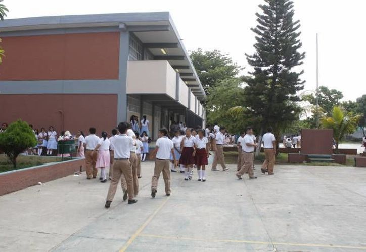 En Yucatán, unos 400 mil estudiantes disfrutarán del puente escolar con motivo de la conmemoración del inicio de la Revolución Mexicana. Regresan a clases el marte 17. (SIPSE)