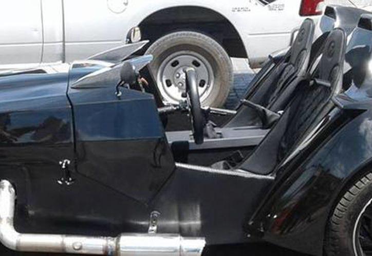 Carlos Iván Ron Magaña construyó el prototipo de un automóvil capaz de acelerar de cero a 100 kilómetros por hora en apenas tres segundos. (conacytprensa.mx)