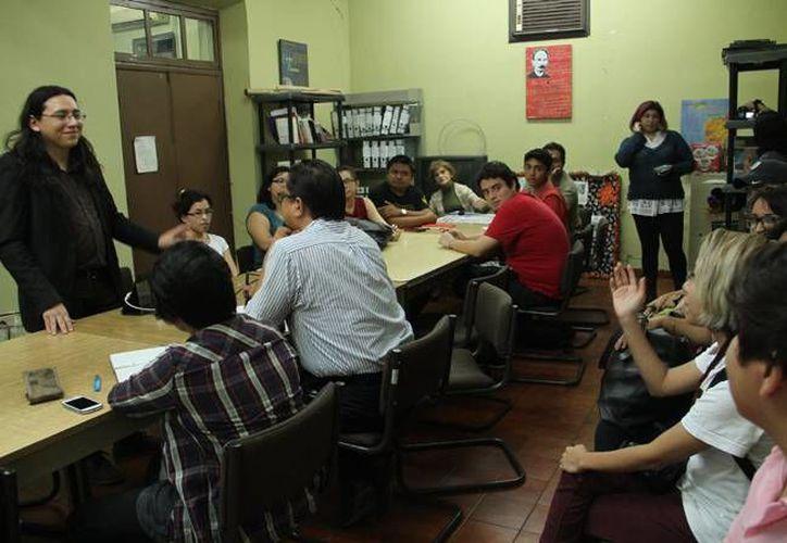 Con la participación de 25 asistentes dio inicio el curso 'Introducción al análisis del cómic', el cual termina el próximo 26 de febrero. (Jorge Acosta/ SIPSE)