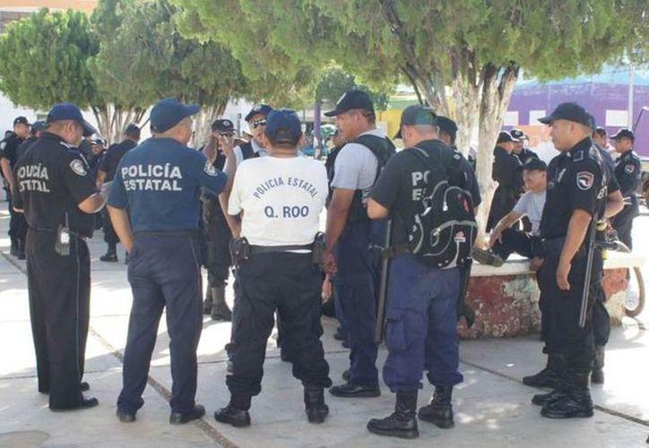 Ayer jueves, los elementos de seguridad pública cobraron la segunda parte del aguinaldo. (Carlos Yabur/SIPSE)