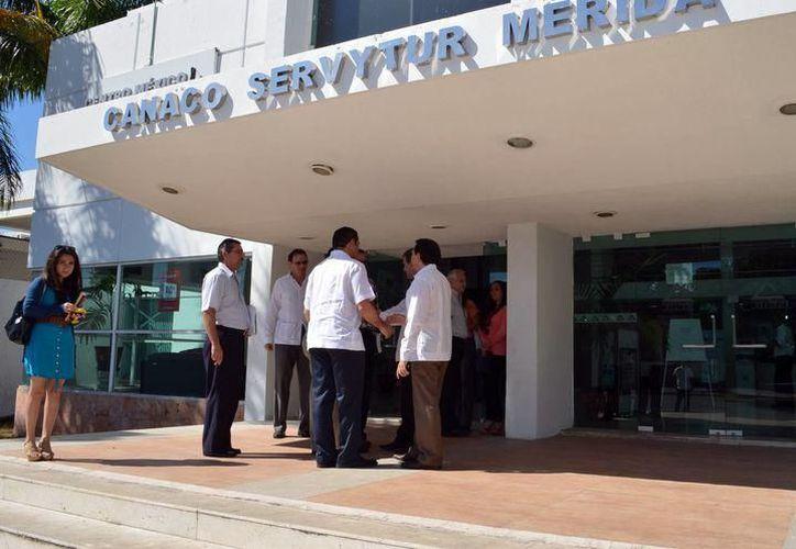El presidente de la Canaco Mérida, Michel Salum Francis destacó que el Comité Organizador de los foros está listo para el tercer ejercicio democrático. (SIPSE)