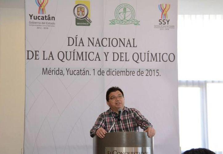 El secretario de Salud, Jorge Eduardo Mendoza Mézquita, destacó el trabajo continuo que los químicos han realizado durante la presente administración.