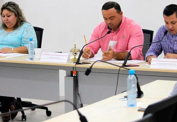 Diputados de la comisión permanente del Congreso de Yucatán aprobaron formar un grupo para investigar el caso de tortura de Tekax. (Milenio Novedades)