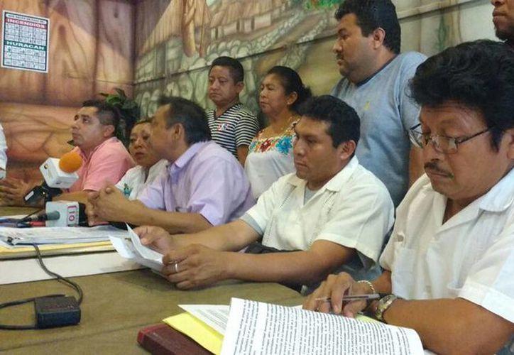 Artesanos de Chichén Itzá pidieron diálogo con el gobierno federal y estatal para regularizar su situación en las inmediaciones de la zona arqueológica. (Milenio Novedades)