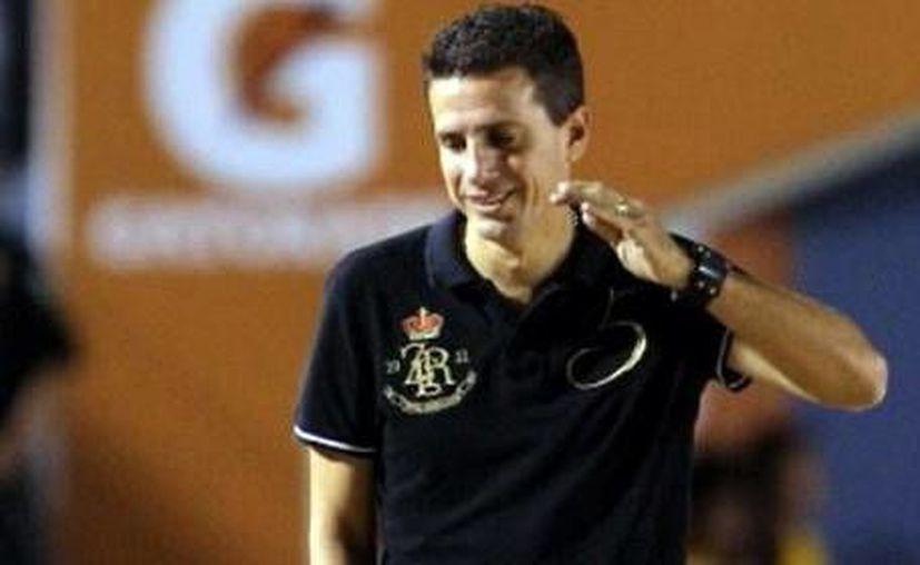 Valiño considera que al CF Mérida le faltan dos delanteros, dos volantes y un central. (Milenio Novedades)