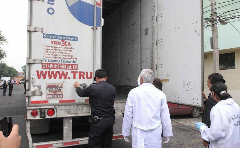 El contenedor estaba cerrado herméticamente con candados, lo que imposibilitaba el escape de los migrantes. (Imagen de contexto/Notimex)