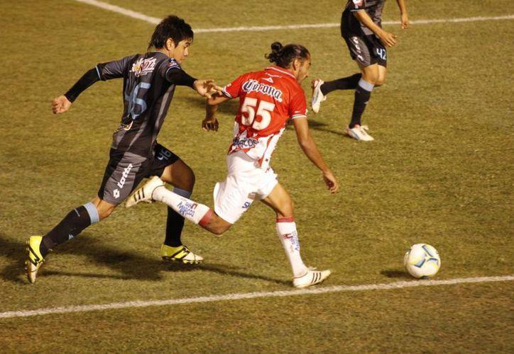 Por más que insistió, el Necaxa no pudo concretar ninguna anotación ante el Mérida FC. (SIPSE)