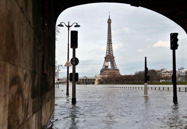 Los niveles del agua aumentaron cerca de 3,3 metros por encima del nivel normal. (Foto: Televisa)