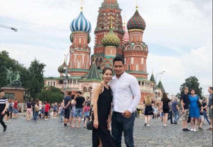 Miguel y Cristina se conocieron cuando el mexicano le pidió ayuda para ubicar una calle. (Excélsior)