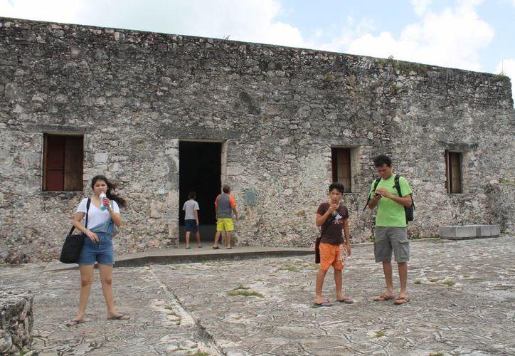 Turistas lamentan que un lugar tan bello tenga tan poca difusión. (Carlos Horta/SIPSE)