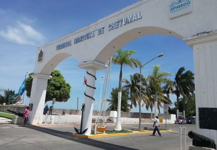 Con 15 cámaras vigilarán el muelle fiscal de Chetumal. (Daniel Tejada/SIPSE)