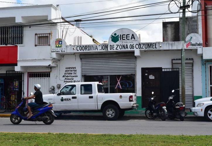 La subdirección de Educación Municipal fue la encargada de notificar por vía escrita. (Gustavo Villegas/ SIPSE)