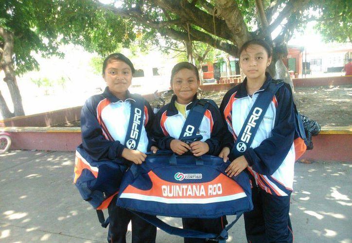 Algunas de las menores que representarán a Quintana Roo. (Rubí Velázquez/SIPSE)