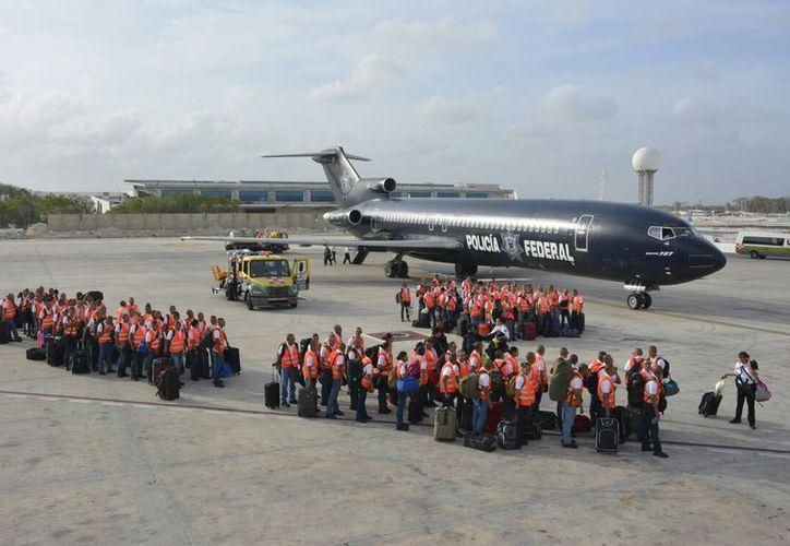 Los cadetes brindarán ayuda y orientación a los usuarios en la terminal aérea. (Cortesía)
