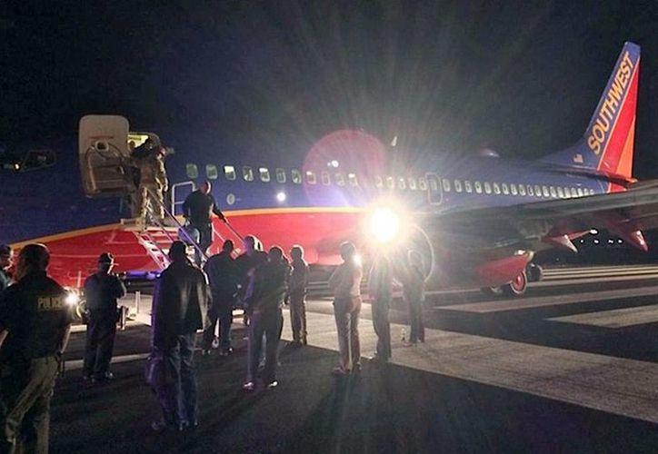 A los pilotos del vuelo de un avión de Southwest la Torre de Control les advirtió de la lejanía del aeropuerto, pero ellos insistieron en que veían la pista: era la de otro aeropuerto, muy pequeño para la aeronave que pilotaban. (Agencias)
