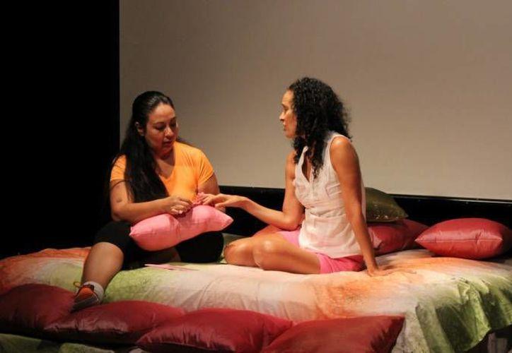 En el Club de la Mano amiga, los actores se prepararon durante tres meses para la puesta en escena. (Andrea Aponte/SIPSE)