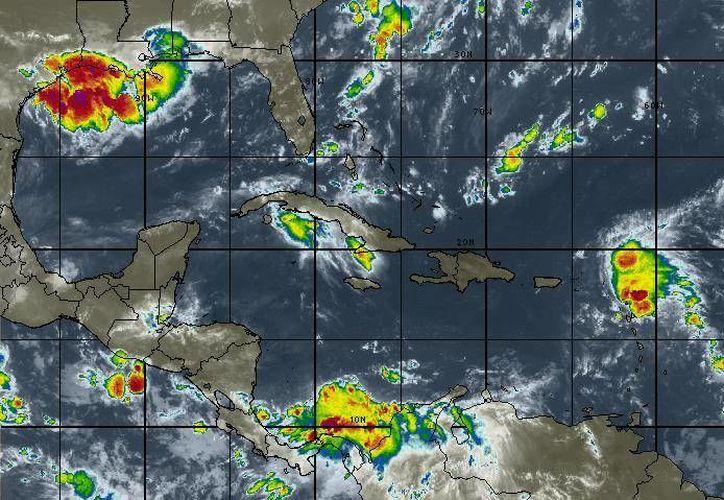 En los municipios del norte se esperan nublados con chubascos ocasionales, según el pronóstico meteorológico. (Redacción/SIPSE)