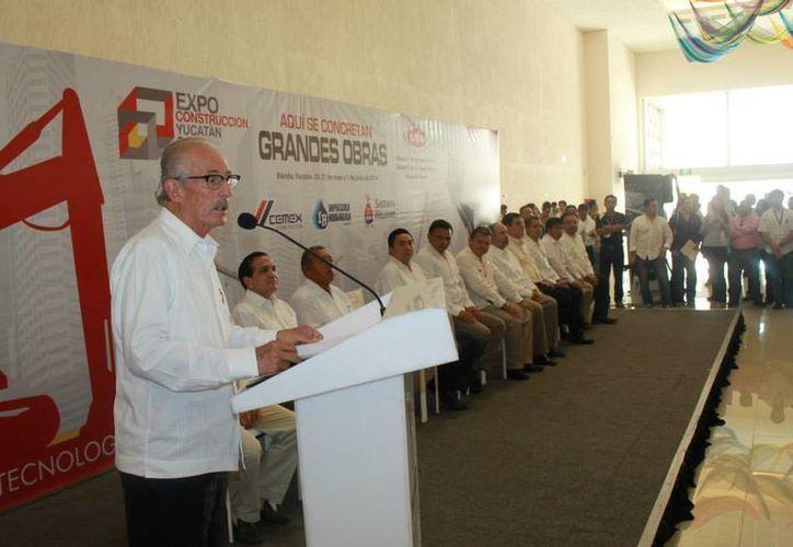 Luis Zárate Rocha, titular de CMIC, indicó que los recursos estatales y federales comienzan a fluir para impulsar más obras. (Facebook/CMIC Delegación Yucatán)