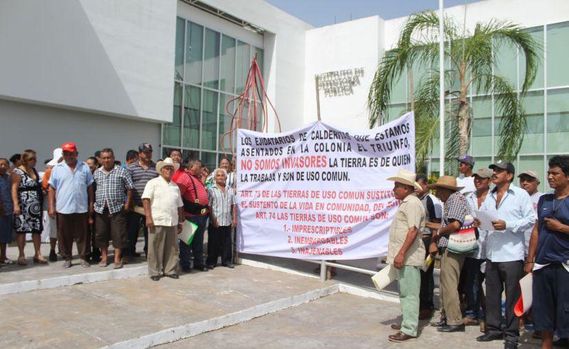 Los ejidatarios de Calderitas piden que se declare incompetente el caso por ser un tema agrario. (Daniel Tejada/SIPSE)