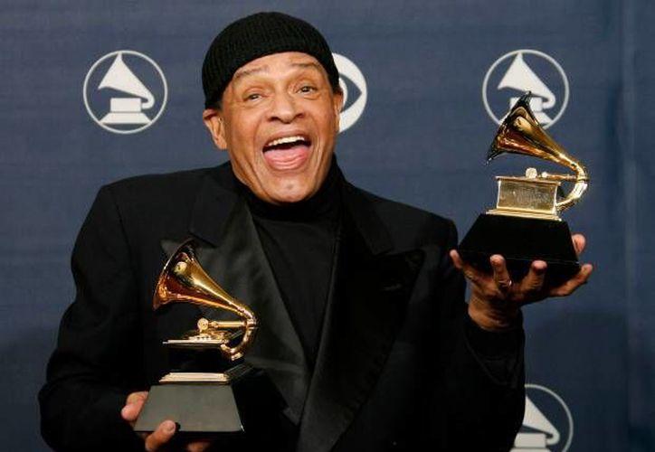 El músico Al Jarreau es el único artista que conquistó tres Premios Grammy en diferentes géneros musicales.(Archivo/AP)