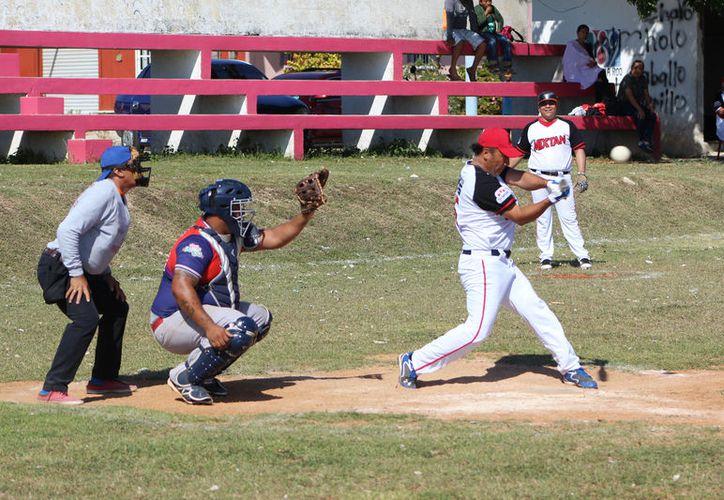 El primer duelo de la serie, a ganar dos de tres, entre Piratas y Pollería Mixtán, está  programado para este domingo en la colonia Proterritorio. (Miguel Maldonado/SIPSE)