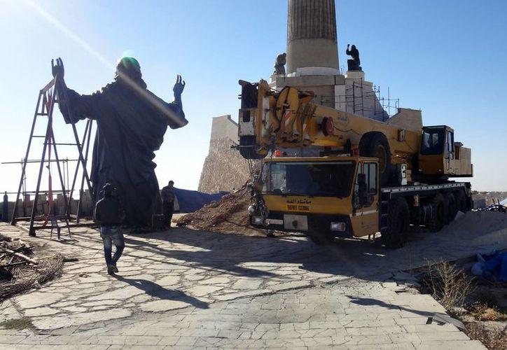 La estatua fue instalada en el Monte Sednaya, Siria. (Agencias)