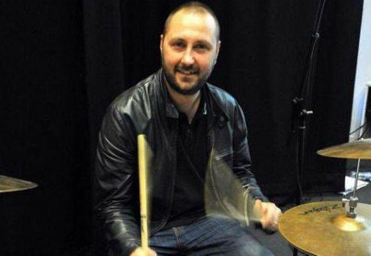 Jon Brookes recibía tratamiento contra el cáncer desde que se desplomó en un concierto en 2010. (birminghammail.co.uk)