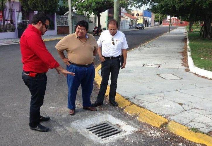 Personal de la Sintra supervisa los trabajos de mantenimiento. (Redacción/SIPSE)