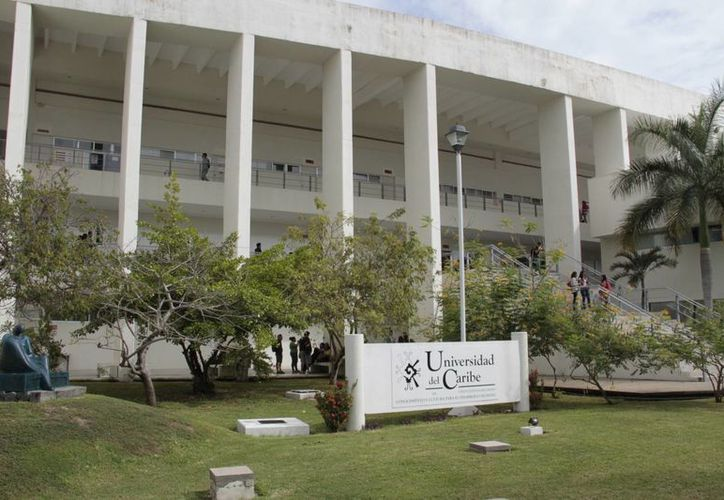 La Unicaribe es una de las universidades donde se imparte la carrera de turismo. (Tomás Álvarez/SIPSE)