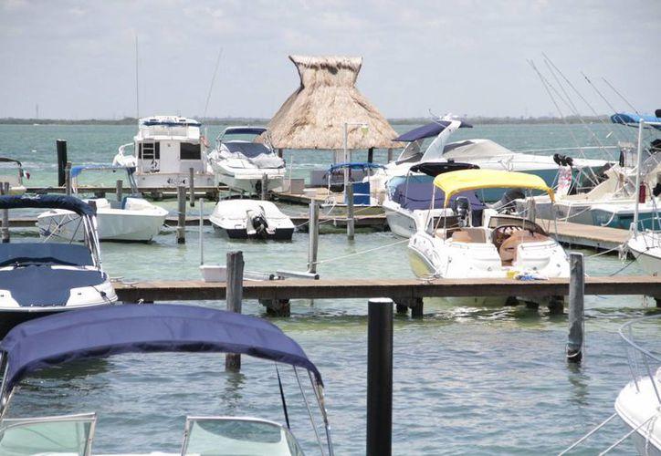 Empresas incentivan la pesca deportiva en este destino turístico. (Tomás Álvarez/SIPSE)