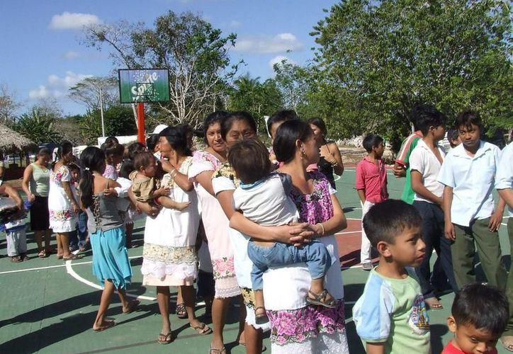 El 20% de los niños registrados en Tulum fueron concebidos extramaritalmente, según el Registro Civil. (Rossy López/SIPSE)