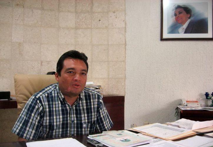 Burgos Narváez: ahora  por cada seis días de trabajo sólo se tendrá derecho a un día de descanso. (SIPSE)