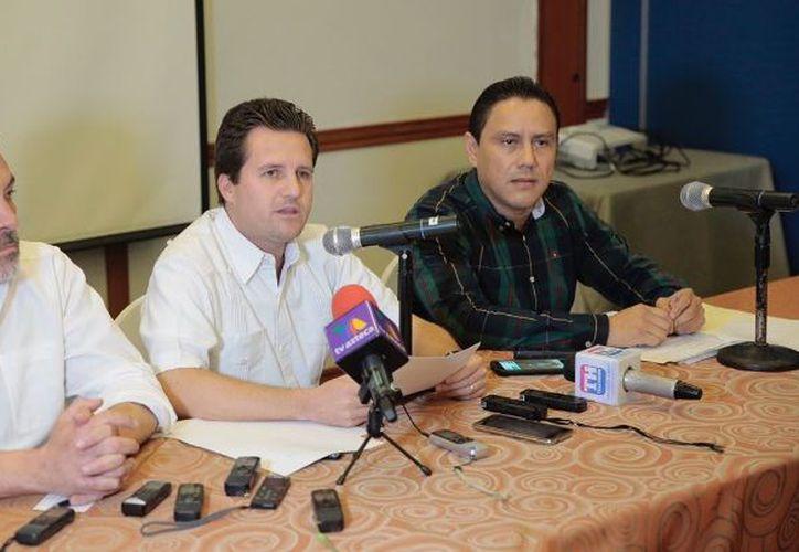Gerardo Gaudiano convocó una rueda de prensa para aclarar la situación que presuntamente lo vincula con Roberto Borge. (Facebook)