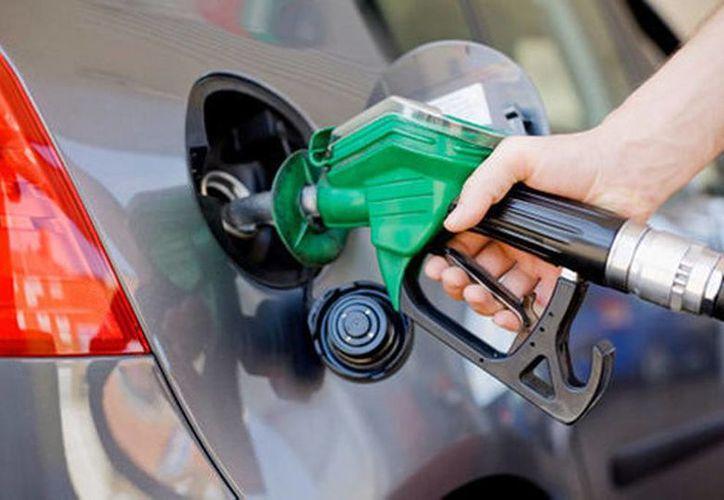 Los emprendedores mexicanos buscan evitar el robo en las gasolineras con nueva aplicación. (Milenio)