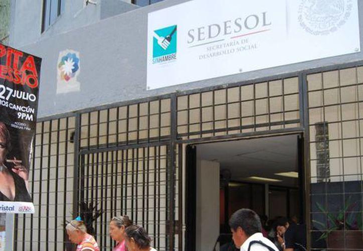 El apoyo que perciben las personas de la tercera edad es de mil 500 pesos cada dos meses. (Tomás Álvarez/SIPSE)