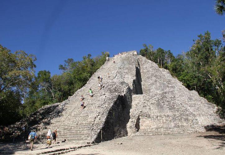 Las zonas arqueológicas de Quintana Roo recibieron poco más de un millón 400 mil visitantes durante el primer semestre del año. (Redacción/SIPSE)