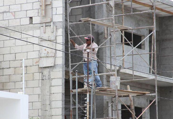 Los trabajadores de la construcción son de los más afectados por la falta de empleo, en Chetumal. (Daniel Tejada/SIPSE)
